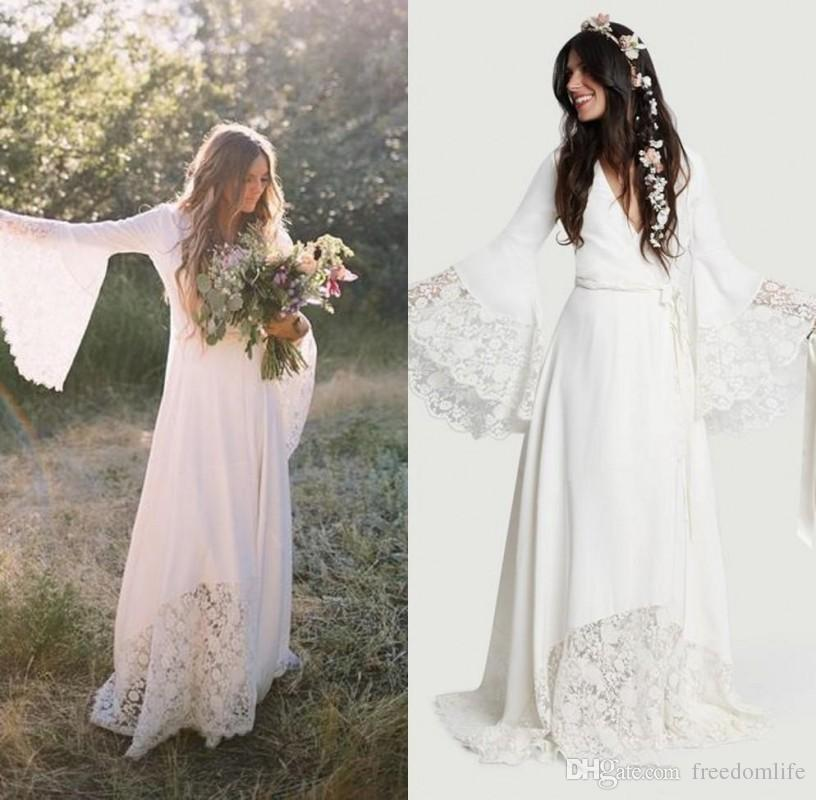 2019 Chic Bohemian Beach Wedding Dresses Long Bell Sleeve Lace Flower Boho Bridal Gowns Plus Size Hippie Wedding Dress Custom made