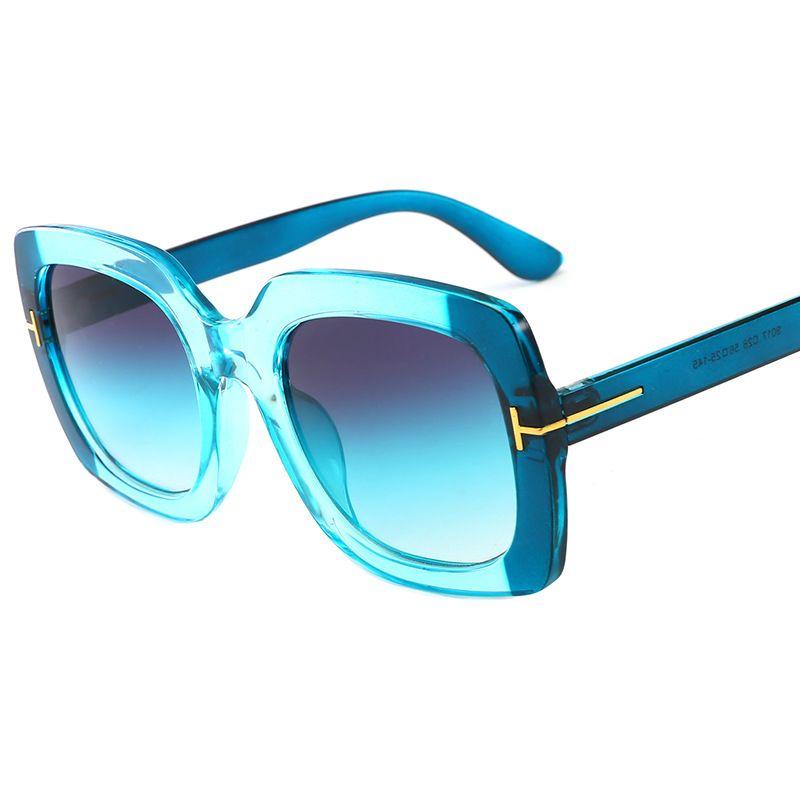 faa7c695bf12a Compre Vintage Quadrado Óculos De Sol Das Mulheres Óculos De Sol Dos Homens  Espelho Óculos De Sol Da Moda Feminina Famosa Marca Rebite Preto Eyewear  Gafas ...