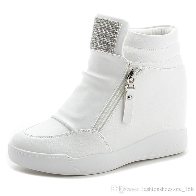 c7a29e6bd1a248 Acquista Sneakers Con Zeppa E Plateau 8CM Scarpe Con Tacchi Nascosti Donna  Moda Con Strass Dolce Sneakers Casual Donna PU Scarpe In Pelle Colore Nero  Bianco ...