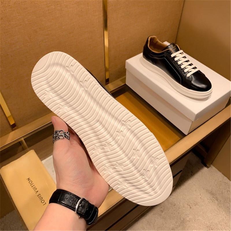 das Customized Mens Fashion coreano Flats Men Casual Lace-up Oxford sapatos de alta qualidade suave PU de couro Negócios Vestido Sapatos Masculinos