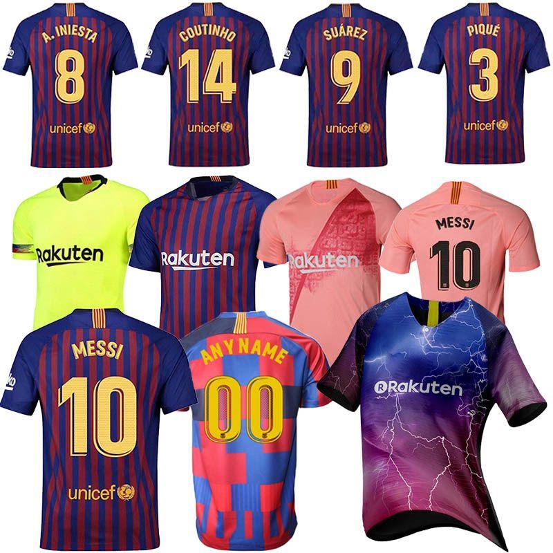 9b7d7c4e736d65 Großhandel 10 Messi Fußball Trikots 9 Suárez 8 Iniesta 14 Coutinho 18 19  Hochwertige Männer Fußballanzug Sportbekleidung Günstige Trikots Im Rabatt  Von ...