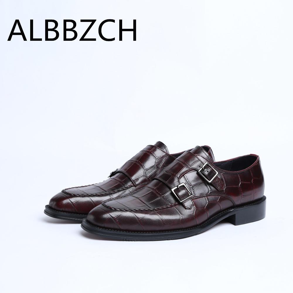 c19dcc954e26a Compre Nuevo Para Hombre De Cuero Genuino Zapatos De Vestir Hombres Moda  Hebilla Diseñador Traje Formal Zapatos De Boda De Alto Grado De Trabajo De  Oficina ...