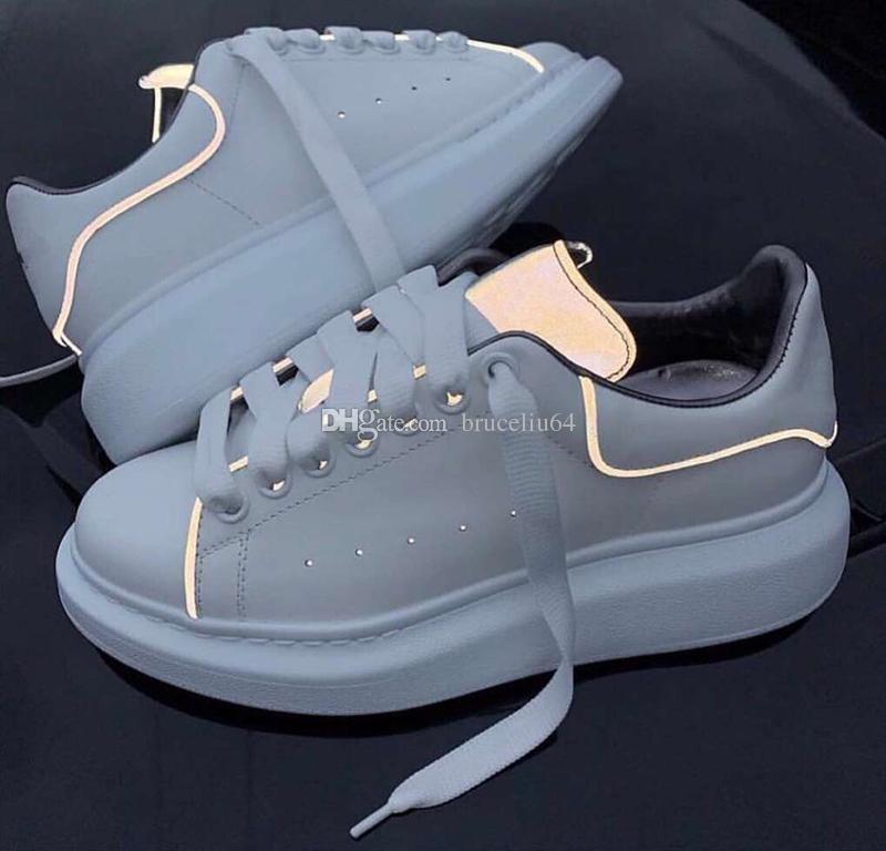 f85a35491de Compre Diseñador De Lujo De Las Mujeres Para Hombre Zapatos Ocasionales  Reflectantes Zapatos De Vestir Para Los Hombres Diseñador De La Plataforma  De Cuero ...