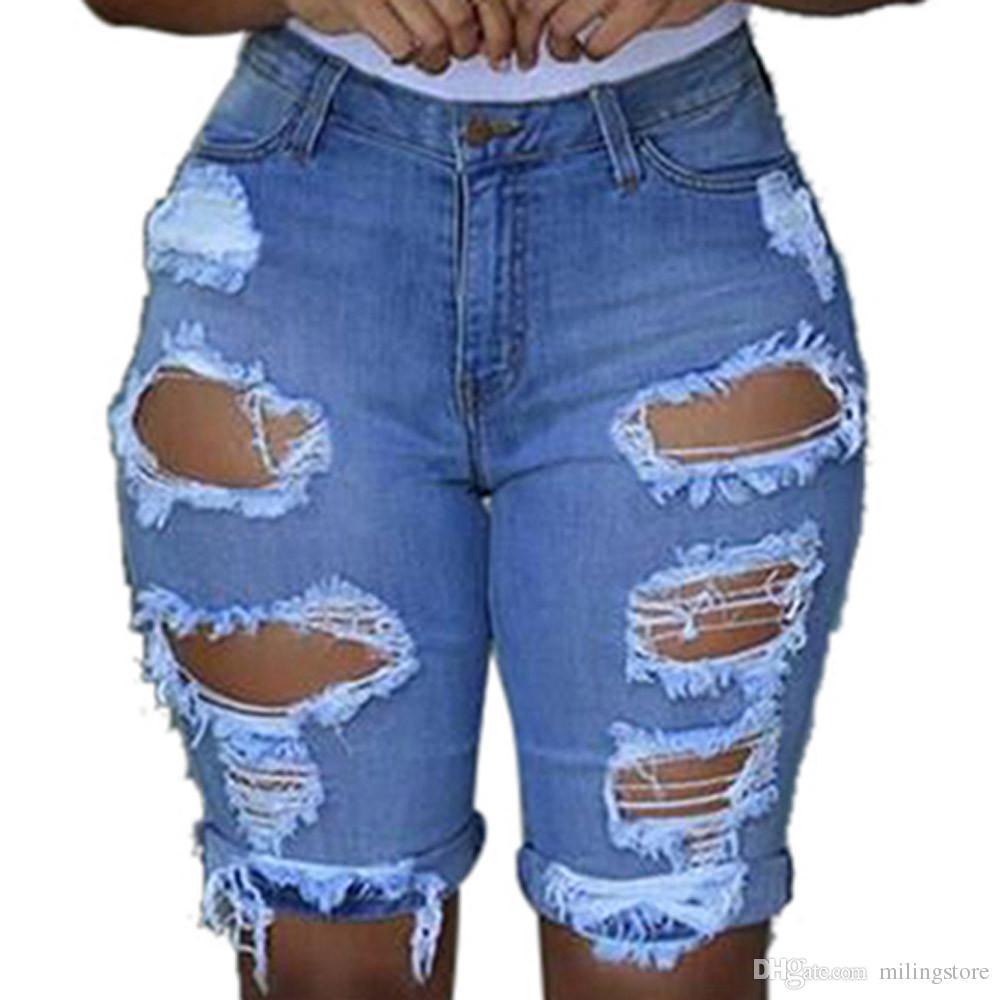 ff5279d6b0 Compre Pantalones Cortos Vaqueros Cortos Con Agujero Elástico De Las Mujeres  Pantalones Cortos Vaqueros Pantalones Vaqueros Desgastados Pantalones Cortos  ...
