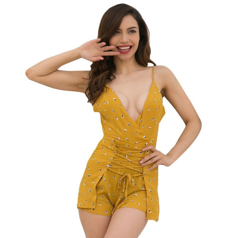 153b19422 Las mujeres atractivas atan para arriba el mono femenino de cintura alta  con cuello en V sin espalda Bowknot espalda mono corto 2019 Boho Beach  Summer ...