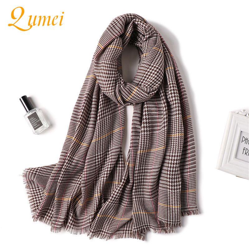 9aa390e800e9 Diseñador 2018 de punto primavera invierno mujer bufanda de tela escocesa  cálida cachemira bufandas chales de lujo marca cuello bandana pashmina ...