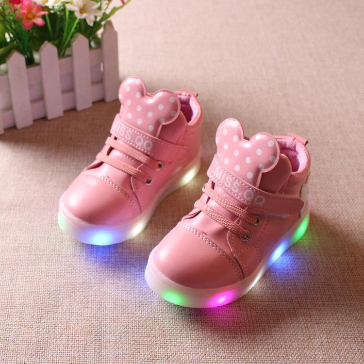 finest selection b2d6e 35073 Neue Kinderschuhe mit Licht gegen Jungen Mädchen Schuhe Turnschuhe Kinder  leuchten Led Light Glowing Schuhe Eu Mini Cute Boy 21 - 36