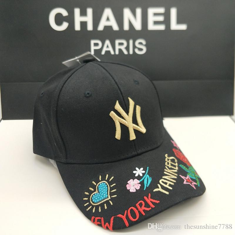 top selling Suitable for men and women luxury hats Embroidered roses love pattern Sun hat Beach hat N&Y logo with box