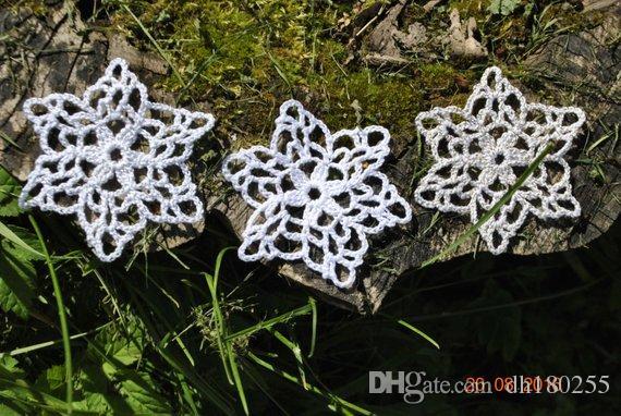 Großhandel 30 Stücke Häkeln Weihnachten Schneeflocken Weiße Hand