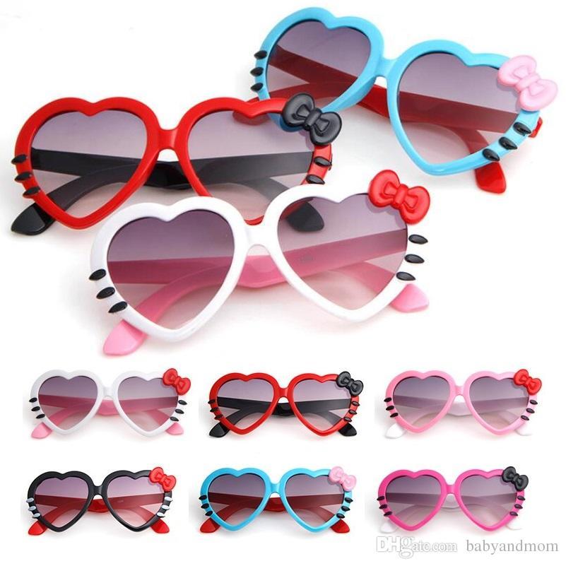 ad27e9f0b Compre Adorável Bowknot Em Forma De Coração Crianças Óculos De Sol De Verão  Do Bebê Óculos Meninos Meninas Crianças Dos Desenhos Animados Óculos De Sol  ...