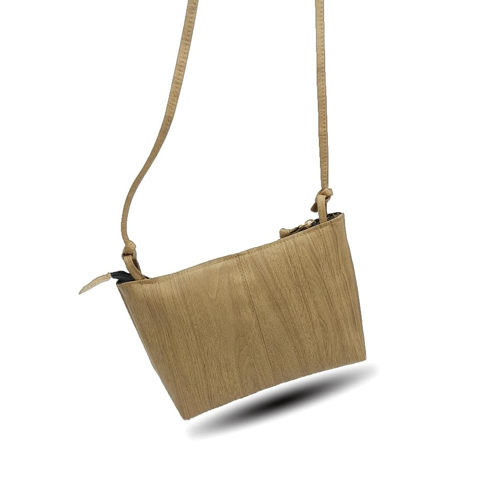 Cheap 2019 New Wood Pattern Women Messenger Bag Designer Small Handbags Pu  Leather Crossbody Girls Famous Brand Shoulder Bag Shoulder Bags For Men  Fiorelli ... e6af7ecade856