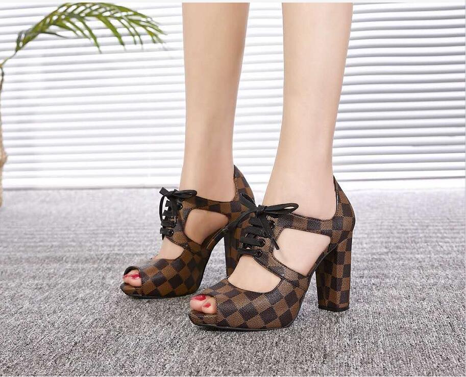 Primavera e l estate nuova moda tacchi alti sexy sandali da donna in pelle pesce bocca scarpe