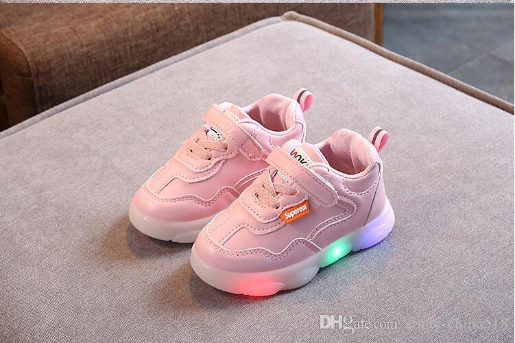NEW Children Shoes For Boys Girls Sport Running Shoes Baby Flashing Lights LED Glowing Sneakers European shoe size:21-30