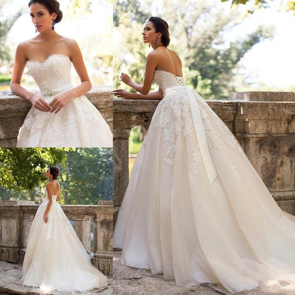 9d57e85246 Discount 2018 Vintage Backless Wedding Dresses Sweetheart Corset Arabic  Lace Appliques Maternity Wedding Gowns With Ribbon Best Lace Wedding Dresses  Bride ...