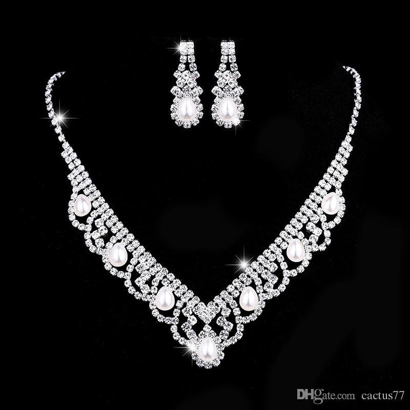 Купить Оптом 2019 Циркон Невесты Свадебный Комплект Ювелирных ... ce8475ea8e5