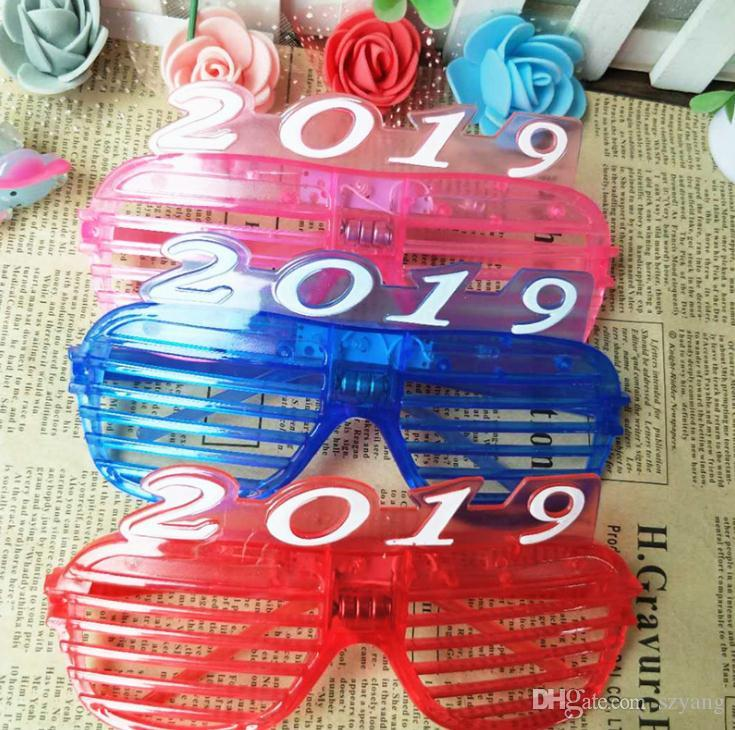 christmas 2019 new year party supplies glasses led flash light lady fashion decoration window shades eyeglass plastic spectacles sn2388 wedding guests gifts
