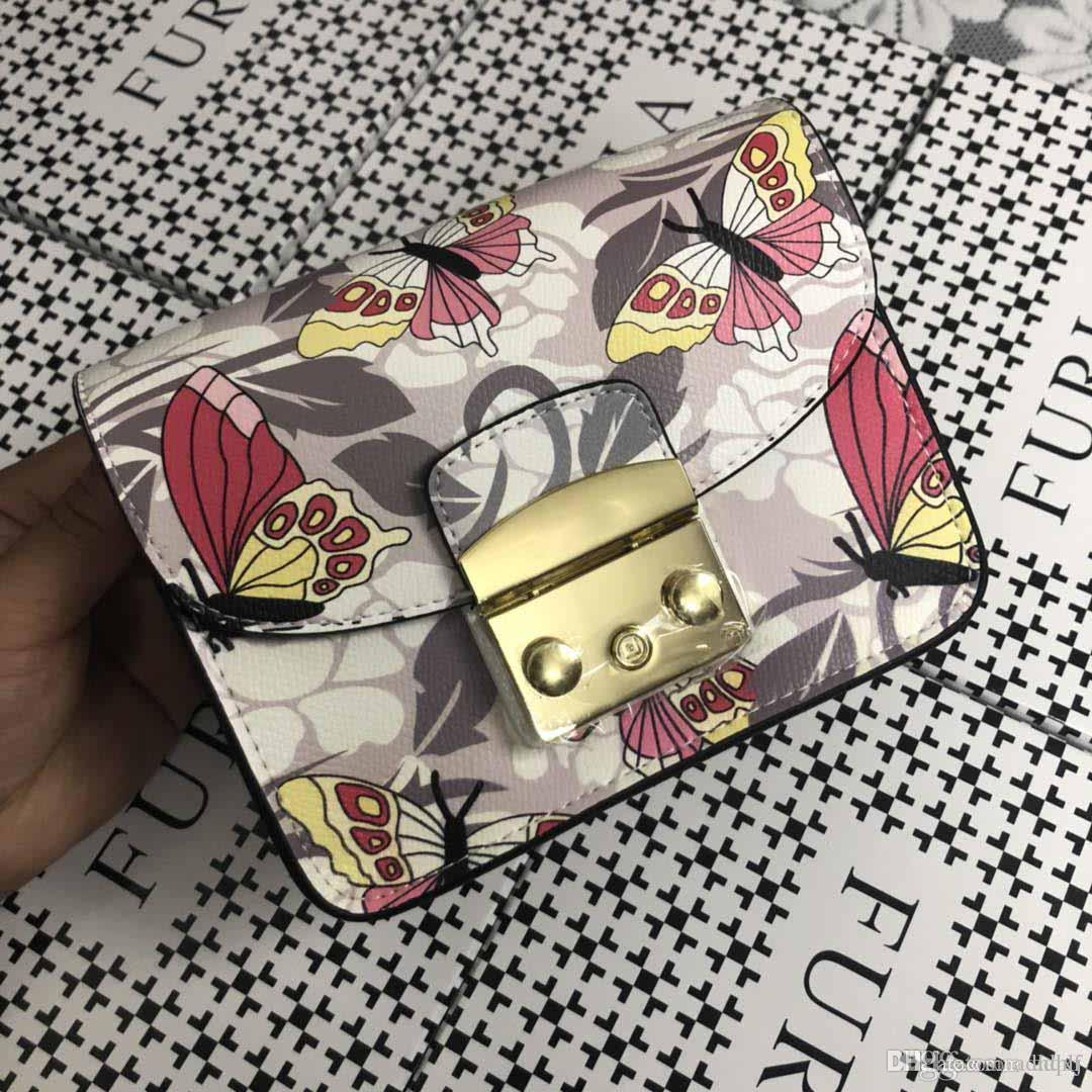 7d84999cf467 AAAAA new colorful graffiti ladies shoulder Messenger bag fashion trend  high-end luxury wild style leather designer bag number: zs05.