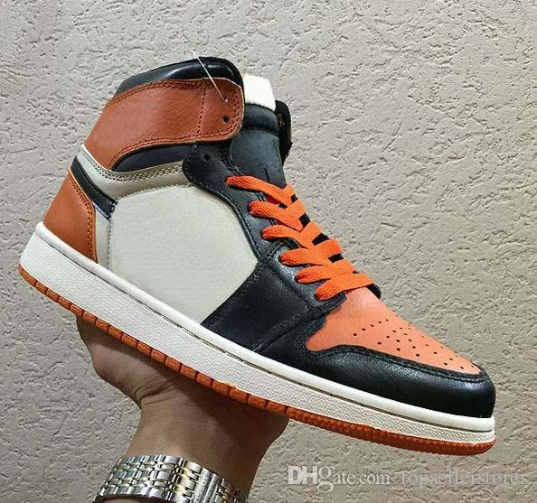 Fashion 1 OG TOP 3 Boots Banned Bred Royal Blue Mid hare Mens Shoes for Men 1s Shattered Backboard Designers Sneakers 40-47