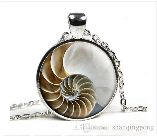 Cute Marine Life Photo Pendant Necklace Nautilus Pattern Glass Pendant Accessories 3 Color Long Chain Jewelry Necklace