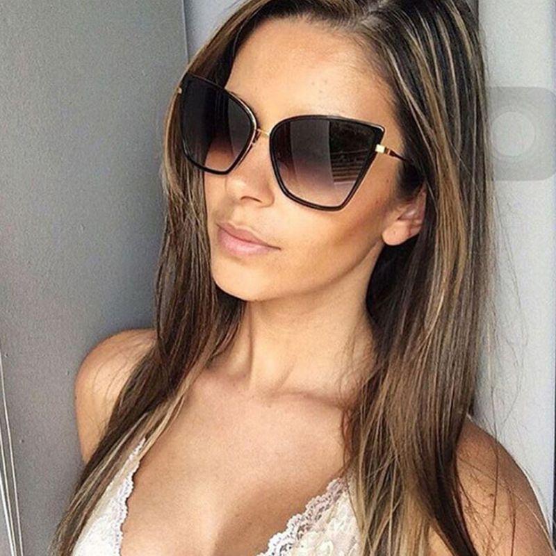 Compre Nuevo Diseñador Gafas De Sol Para Mujer 2019 Ojo De Gato Grande Gafas  De Sol Espejo Negro Gafas De Sol Diseñador De La Marca De Moda Gafas  Vintage De ... 7341303de423