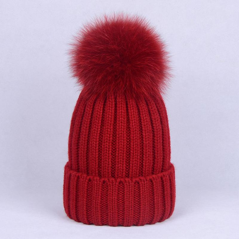 824ec6be00f Women 100% Natural Fox Raccoon Fur Hats Big Ball Fluffy Pompon Skullies  Ponpon Caps Real Fox Pompom Knitted Beanie Pumpon Girls Cute Beanies Red  Beanie From ...