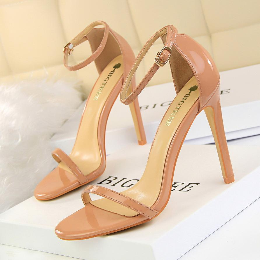 aa4ef882833 2019 European and American fashion ultra high heels with patent leather  peep-toe strappy sandals for sexy nightclub ladies in summer z02