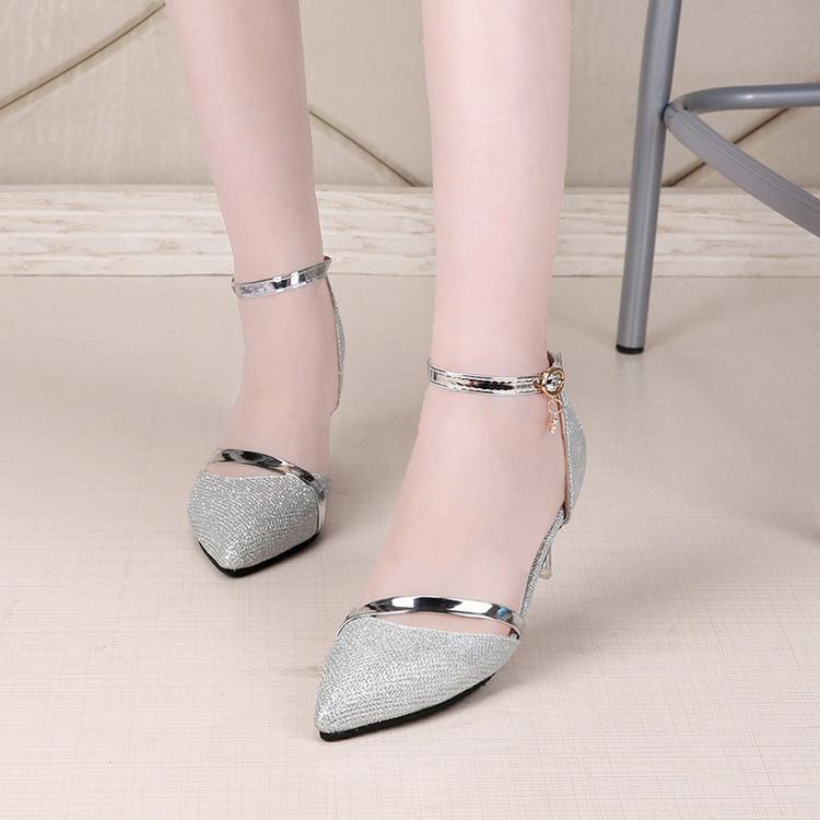 Compre 2019 Vestido Sexy Zapatos Mujer Tacones Altos Oro Plata Zapatos De  Boda Rhinestones Birde Zapatos De Mujer Sandalias De Verano De Las Señoras  A ... 94c1b41f300