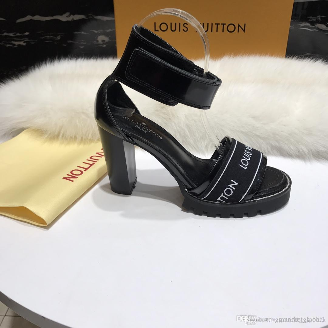 5a459a24a Compre NEW STAR TRAIL SANDAL 1A3Y1V Mulheres De Luxo Sapatos De Grife De  Salto Grosso Sandálias Da Mulher Tornozelo Atacado Com Caixa De  Gmarket_global3, ...