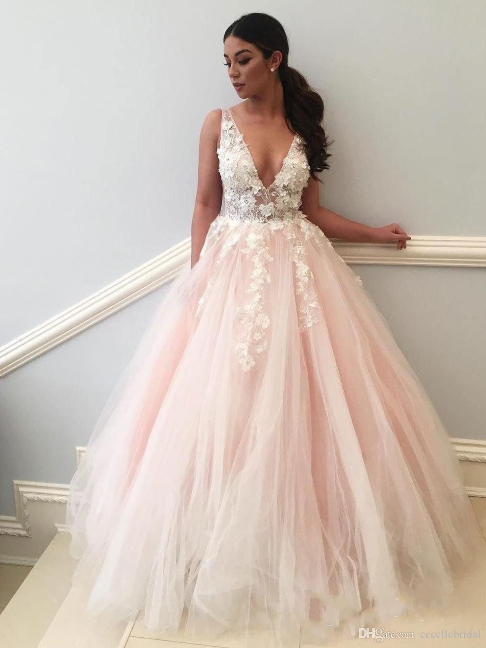 2019 New Arrival Blushing Pink A-line Long Prom Dresses With Straps Sexy V Neck Lace Flowers Teens Girls Prom Party Dress Illusion Top