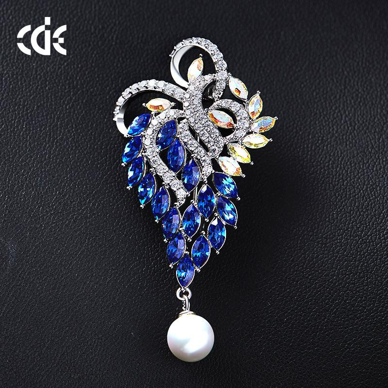 Wedding Party beaded pearl gift woman lady diamond jewelry Brooches for bride acting initiation graduation CDE-1265