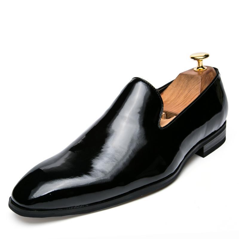 Compre Zapatos De Charol Oro Negro Nuevos 2019 Primavera Vintage Oxfords  Pisos De Los Hombres Vestido De Traje Transpirable Zapatos De Boda Para La  Fiesta ... b7c939786e6