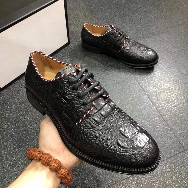dfa79b251 Compre Italiano Marca De Negócios Vestido De Negócios Dos Homens Sapatos  Respirável Lace Up Padrão De Crocodilo De Couro Sapatos De Viagem Dos Homens  ...