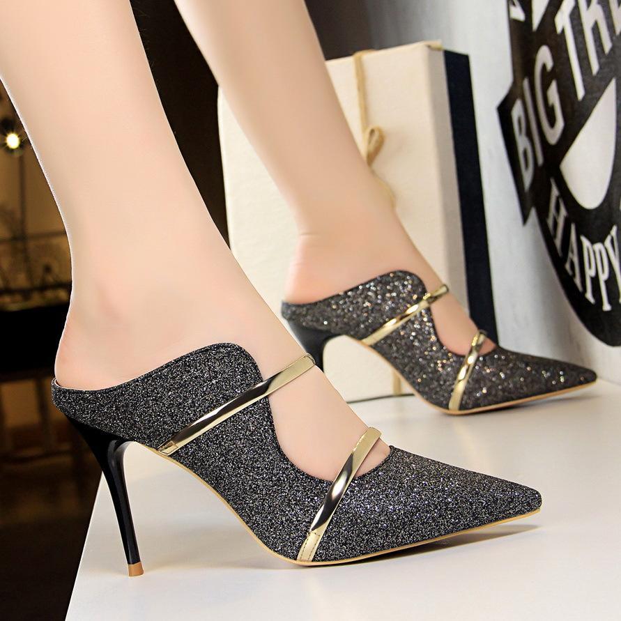 578ba9b67e Compre Zapatos De Tacón Alto Atractivos De Oro Blanco 2018 Nueva Moda  Estilo De Verano Bombas De Plataforma Para El Partido De Boda Zapatos De  Tacones De ...