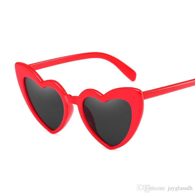 Compre Marca Designer De Óculos De Sol Do Vintage Moda Amor Coração Óculos  De Sol Das Mulheres Bonito Sexy Retro Olho De Gato Do Vintage Óculos De Sol  ... 94dda1c5be