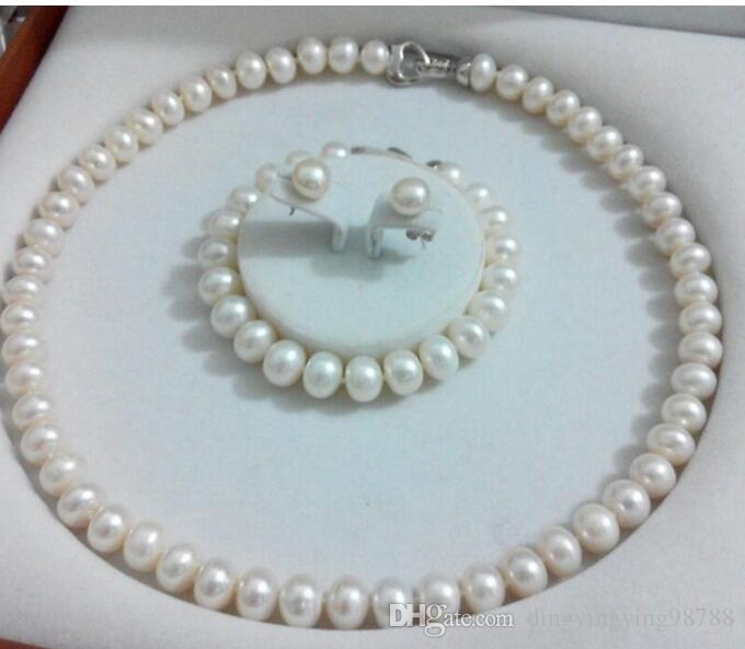 238257d8596f Compre ENVÍO GRATIS + Tres Juegos De Collar De Perlas Planas Y Aretes De  Perlas De 9 10mm Conjunto De Collar De Aretes A  79.38 Del  Dingyingying98788 ...