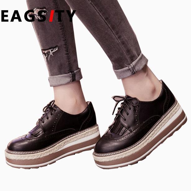 Compre Moda Retro Brogue Oxfords Mujer Zapatos Casuales De Encaje Hasta  Punta Redonda Plataforma Damas Vestido Derby Borla Zapatos Ocio Calzado A   54.71 Del ... d57f734cc7a0