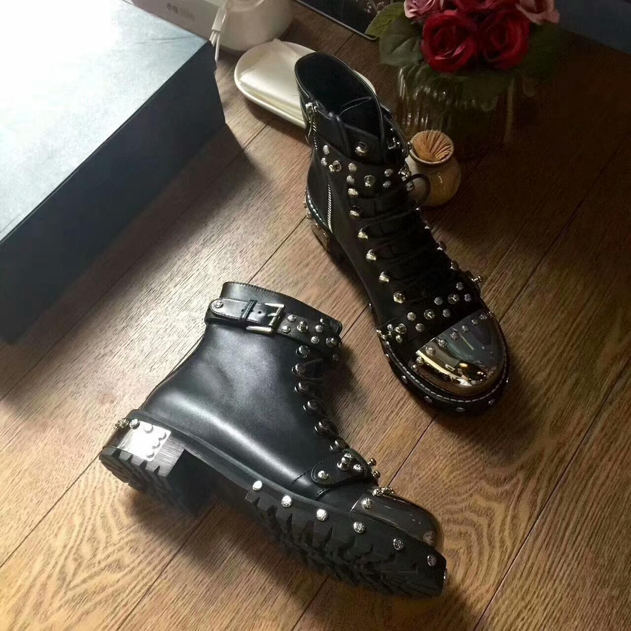 915de1624a908 2019Autumn/winter cow leather rivets motorcycle boots Woman's Chic martin  boots high quality real leather short boots EU35-41 size option
