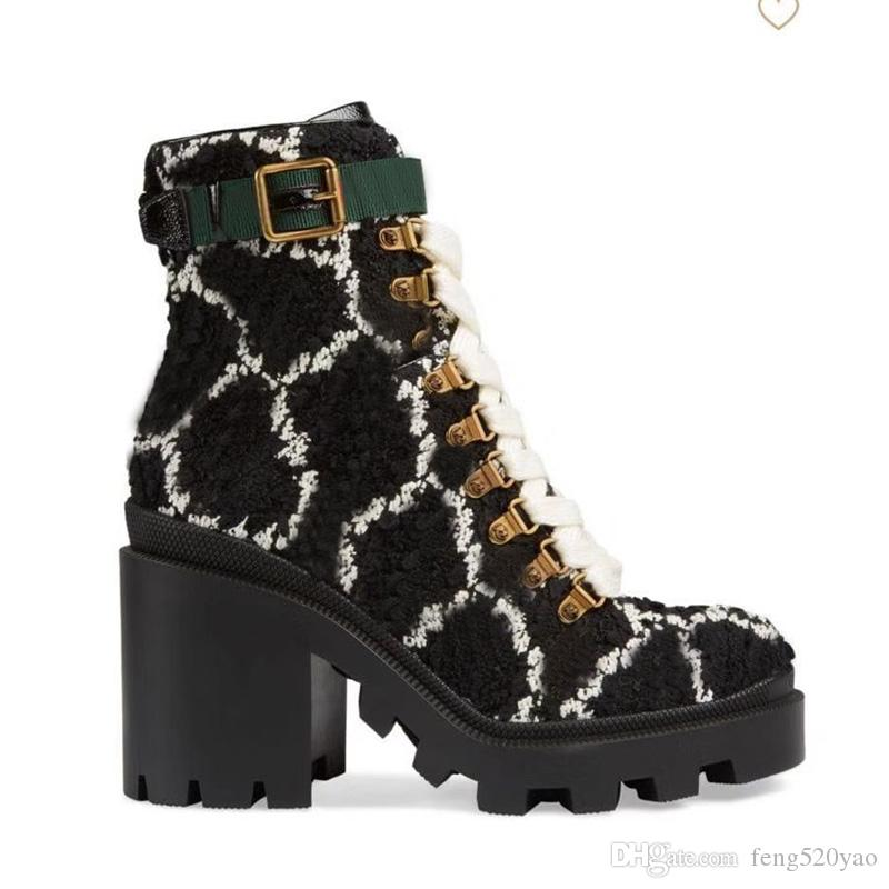 2019 가을 겨울 마틴 부츠 디자이너 럭셔리 여성 신발 편지 스웨이드 높은 부츠 금속 패션 여성 짧은 부츠 큰 크기 41-42를 굽