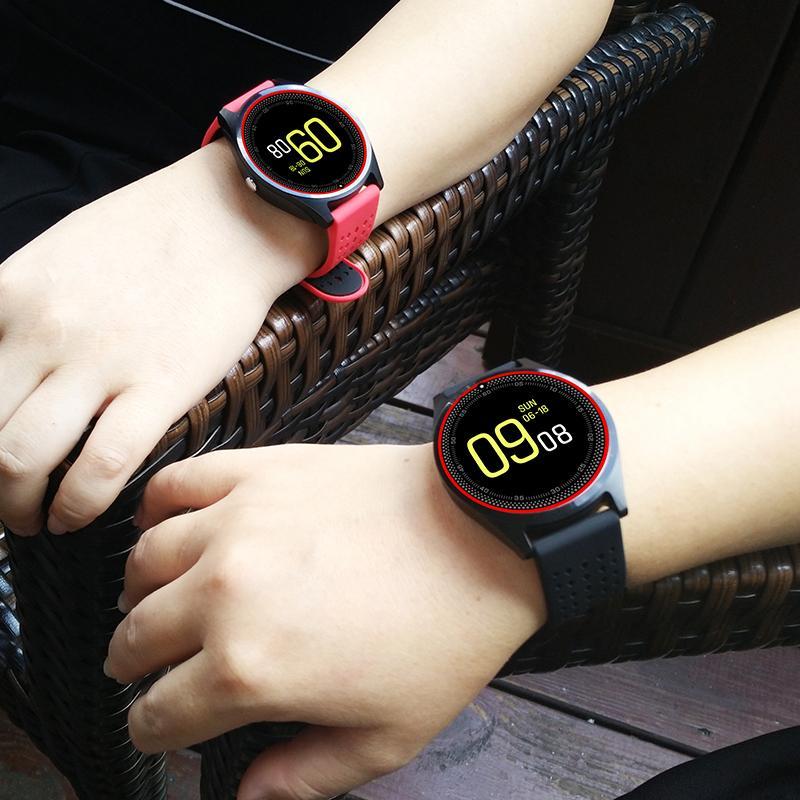b9920aa06c0 Compre Schnoah Amantes Casal Smart Watch Watch Moda Pedômetro Relógio De  Pulso Apoio Cartão Sim Das Mulheres Dos Homens De Fitness Para Android  Phone De ...