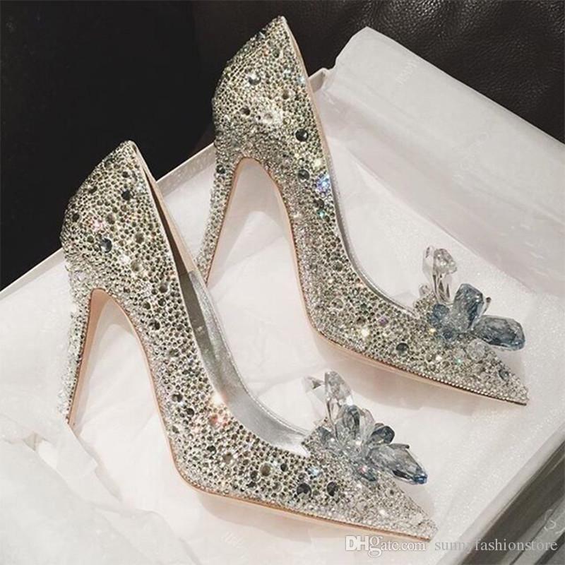 a5ed17c0f Compre Cadeia De Strass Sapatos De Salto Alto Sapatos De Cinderela Mulheres  Bombas Dedo Apontado Deslizamento Em Sapatos De Cristal De Casamento Mulher  Doce ...