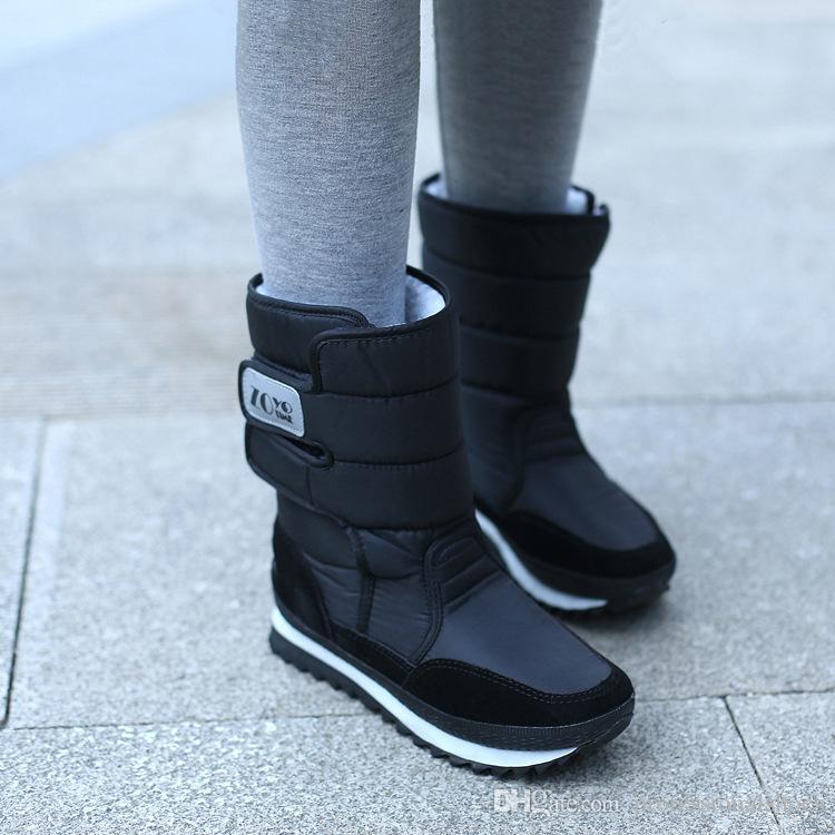 5f6076149d7 Compre Botas De Neve Do Sexo Feminino Botas De Inverno Mulheres Planas À Prova  D  água 2018 Sapatos Botas Mujer Botas Femininas De Inverno Preto Branco  Plus ...
