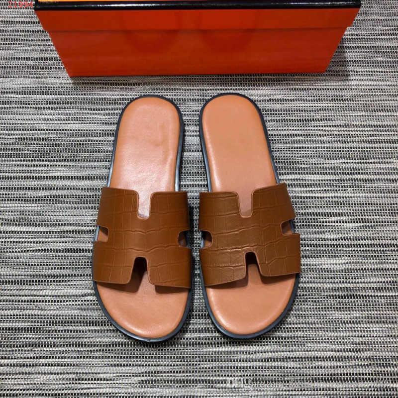 timeless design d9495 c25ea Pantofole maschili Fondo morbido Indossare Moda in pelle antiscivolo  personalità spiaggia Pantofole da uomo retrò semplici ed eleganti comode