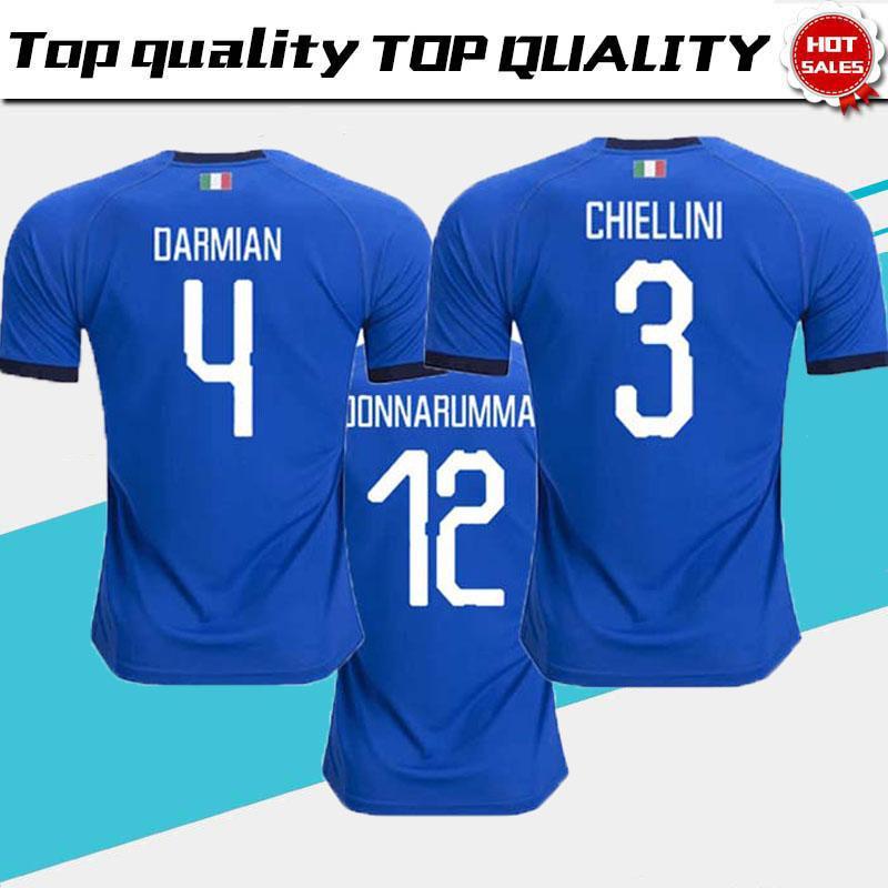 34eb0323d12ef 2018 2019 Copa Del Mundo Italia Camisetas De Fútbol Azules Caseras Italiano  VERRATTI Totti 10 PIRLO 18 Buffon 1 Camisetas De Fútbol Uniforme Adulto Por  ...