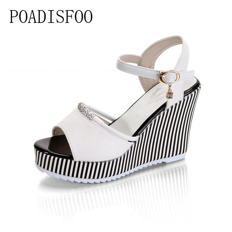 b4f45b0fc Compre Zapatos De Vestir De Diseño POADISFOO Cuñas De Plataforma De Verano  Para Mujer Sandalias Impermeables 10 Cm Súper Tacón Alto Para Mujer Gingham  PVC ...