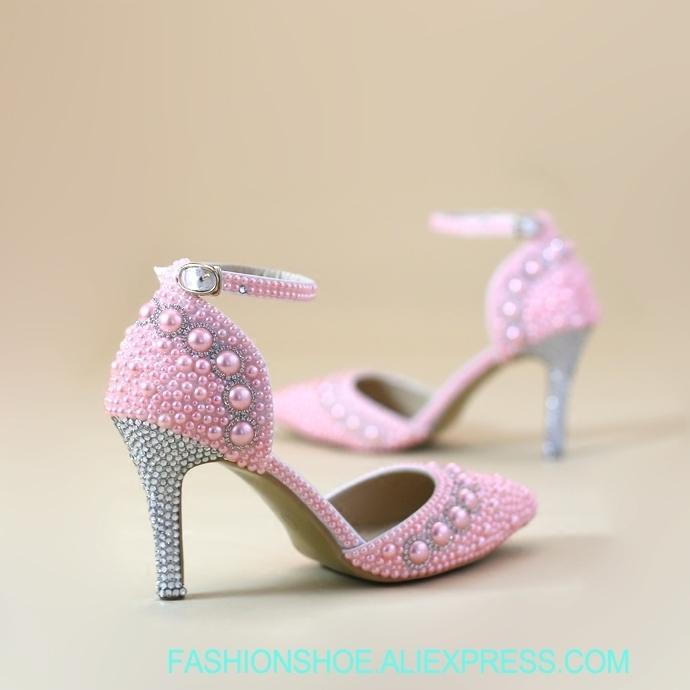 Compre Sandalias Femeninas Zapatos De Fiesta Para Niñas Perlas De Color  Rosa Punta Estrecha 8 Cm Tacón Alto Nueva Cena Nupcial Sexy Vestido De  Novia Zapato ... b6222cffcc1e