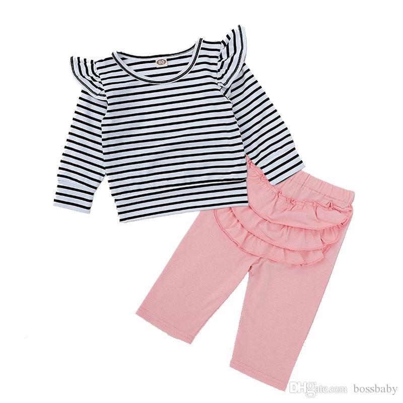 db13a2c38 Compre Conjuntos De Ropa Para Bebés Ropa De Bebé Escudo A Rayas Manga Larga  Cuello Redondo Traje De Bebé Pantalones Para Niñas Color Sólido 41 A  6.94  Del ...