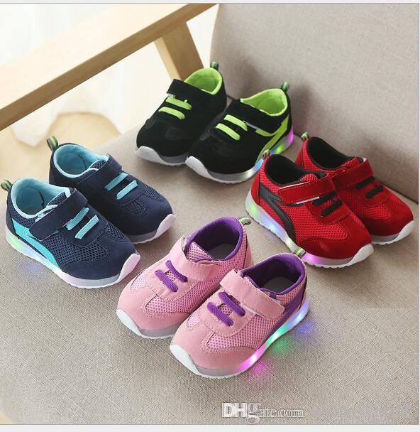 NEW Fashion Childrens Luminous Shoes Stars Print Girls Flat Shoes Luminous Non-slip Wear-resistant Childrens Shoes Best quality hf09
