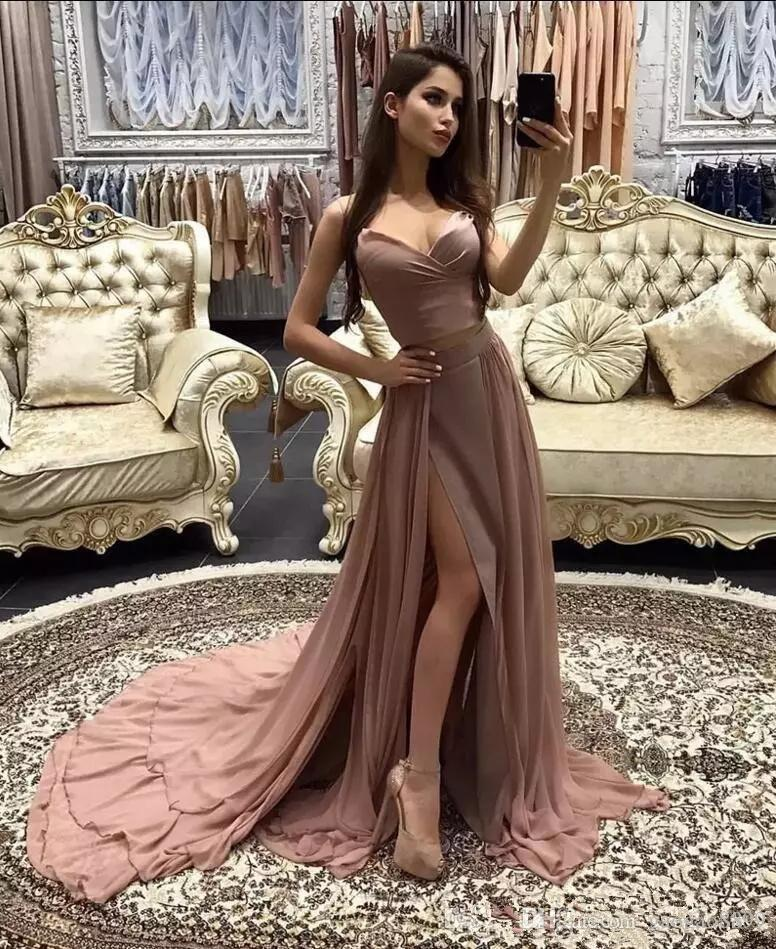 Compre 2019 Polvoriento Rosa Gasa Dividida Vestidos De Baile Elegante Falda  Gradas Cariño Correas De Espagueti Largo Árabe Formal Celebridad Vestidos  De ... 59a7d12ddd25