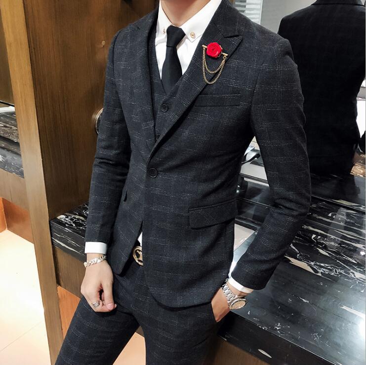 Compre Trajes De Hombre Blazers Negros De 3 Piezas Traje A Cuadros Hombres  De Talla Grande Estilo Coreano Vestido De Negocios Slim Fit Skinny Prom  Trajes De ... 75cdd8e8cbf
