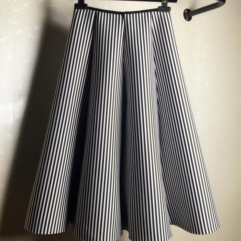 27ec6cb2c 2019 Falda Midi Falda de rayas verticales en blanco y negro (fotos) Falda  de tutú A Mujeres de algodón Faldas de primavera Envío gratis Y190428